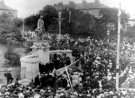 William Armstrong memorial unveiled 1906